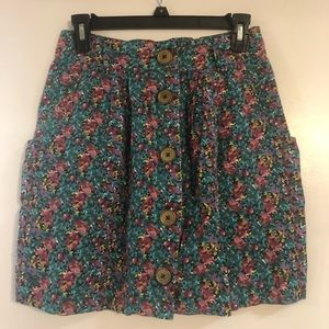 UO floral skirt with pockets!!!